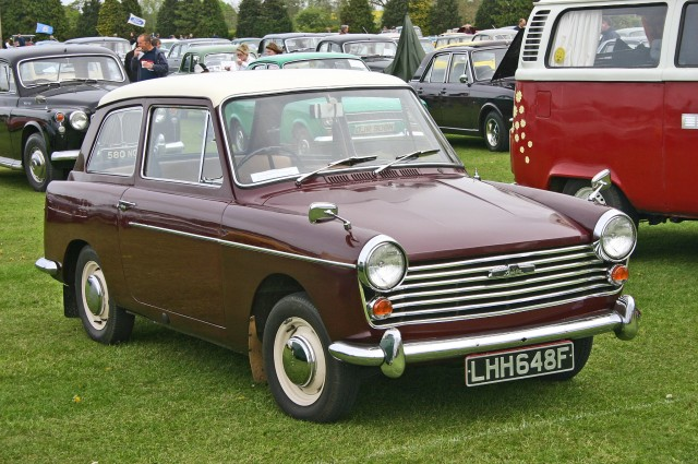 Austin A40 MkII. Main differences from the MkI were the wide grille and the 1098cc Aseries Engine behind it
