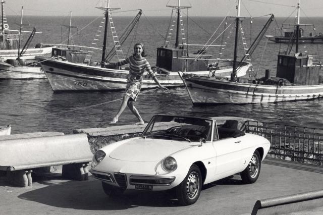 1966-alfa-romeo-1600-duetto-designed-by-battista-pinin-farina