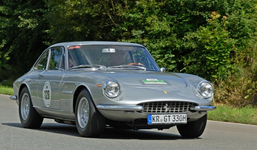 1967-ferrari-330-gtc-pininfarina-during-the-saxony-classic-rallye-2010