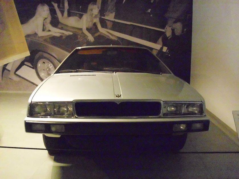 1974-maserati-medici-show-car-fr