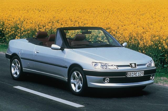 1993-02-peugeot-306-pininfarina-designed-cabriolet