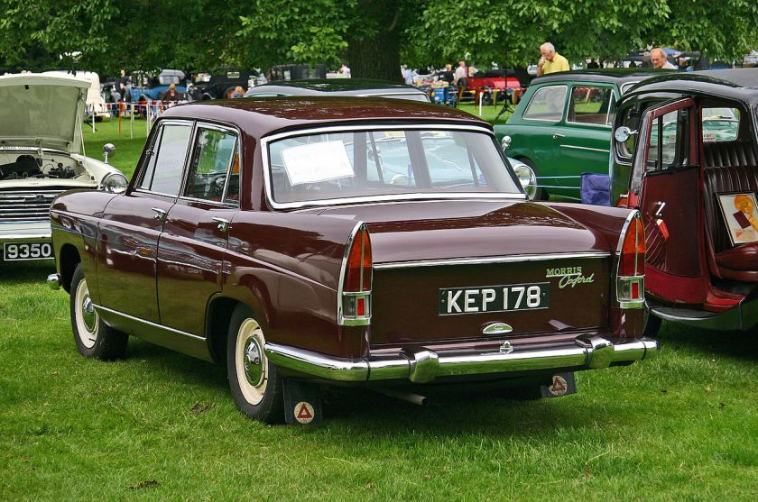 morris-oxford-farina-series-v-rear