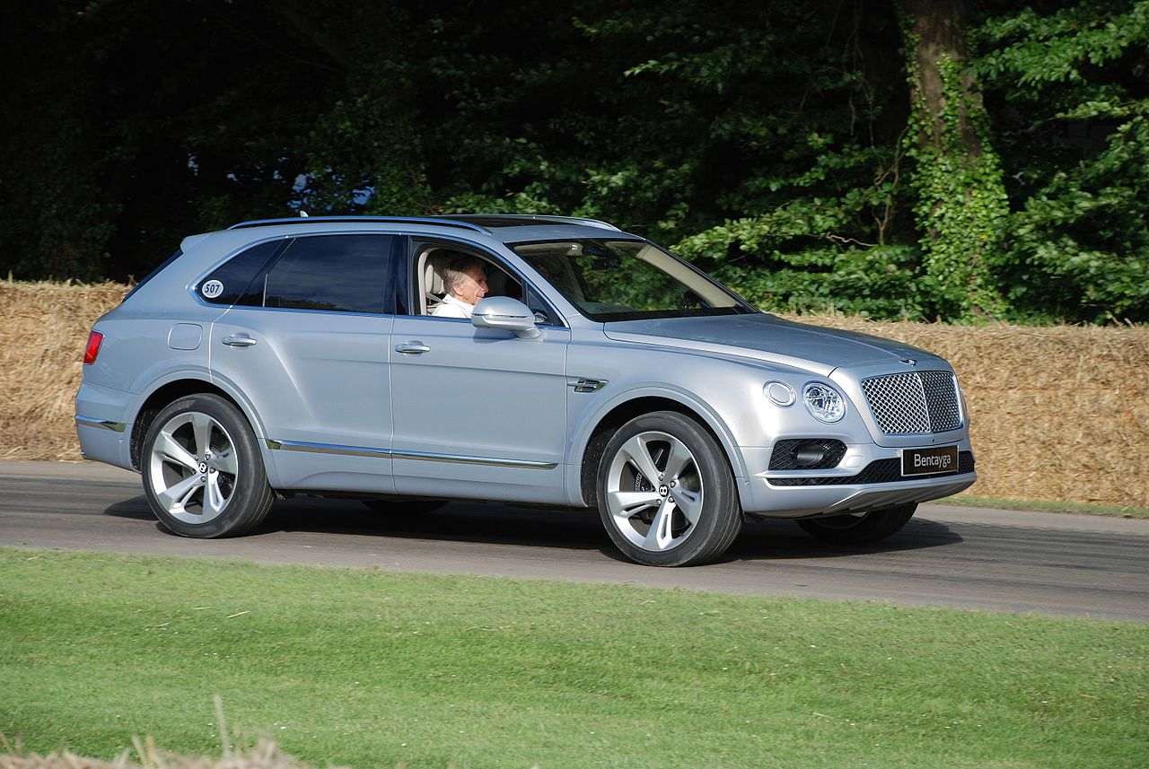 Beau 2016 Bentley Bentayga And The