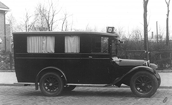 1918 Ford T Ambulance
