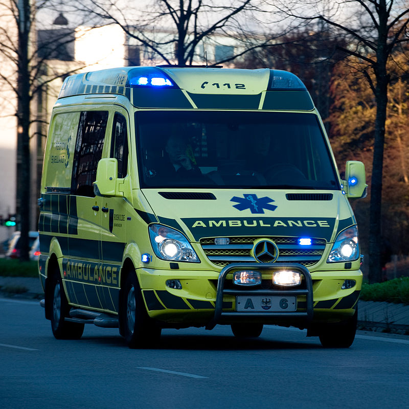 4300a57f6d An ambulance in Denmark with roof-integrated LED lights