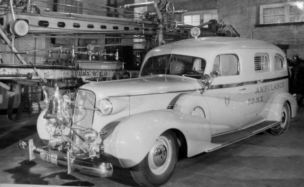 "11/"" 1946-1948 Chrysler Hubcap /""Skins/"""