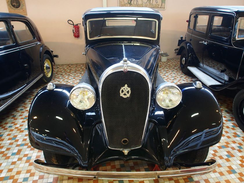 1934 Hotchkiss 411 at the Musée Automobile de Vendée pic-1