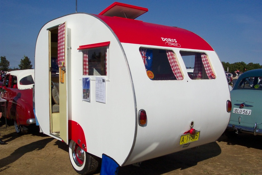 1950 caravan (5114129990)
