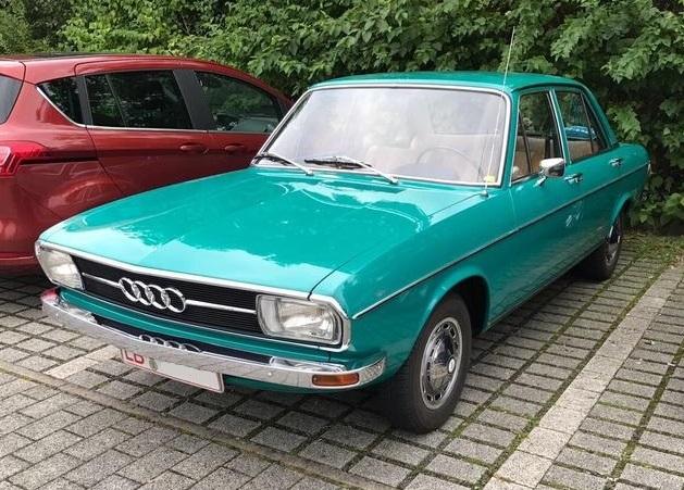 1974 Audi 100 Viertürer (1973–1974)