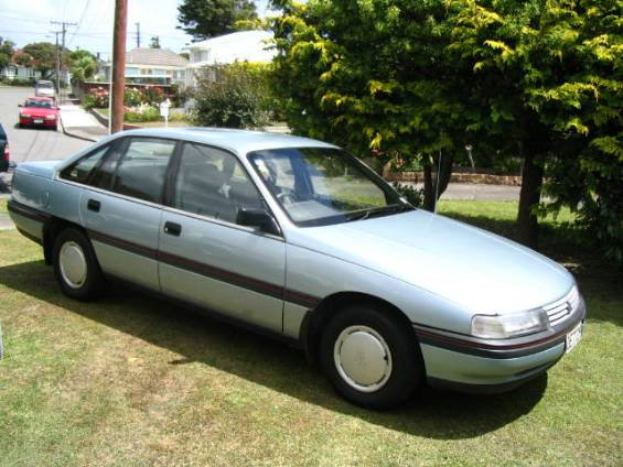 1988-89 Holden Commodore Berlina VN