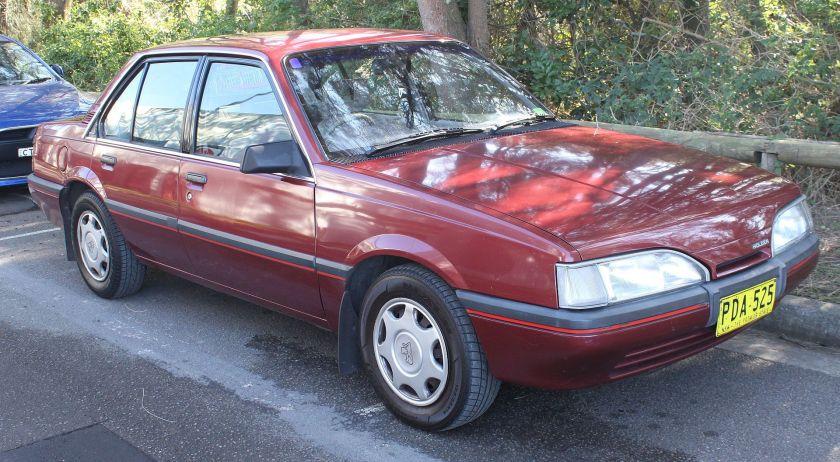 1988 Holden Camira (JE) SLX sedan (20208151918)