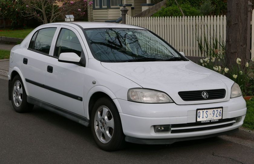 2000 Holden Astra (TS) CD Olympic Edition 5-door hatchback