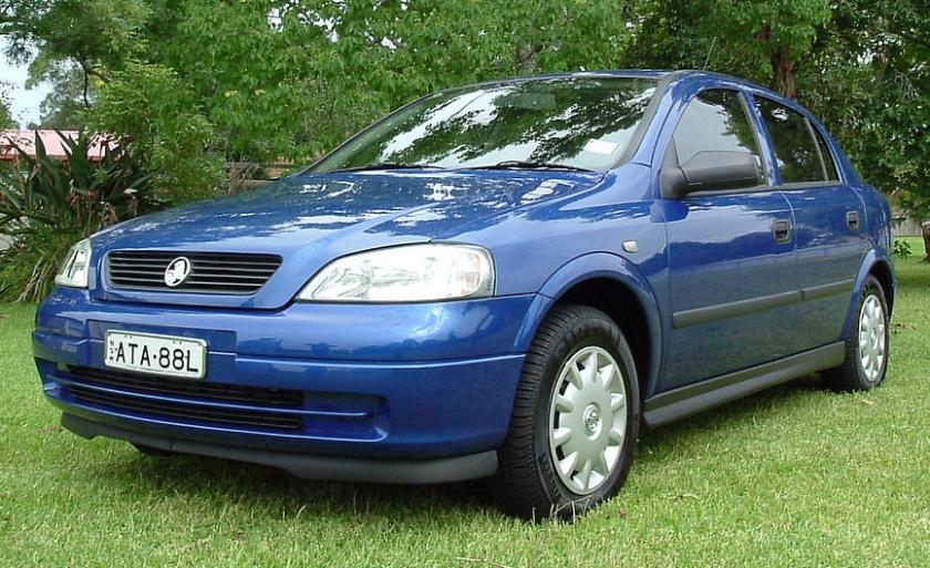 2004 Holden Astra (TS) Classic 5-door hatchback