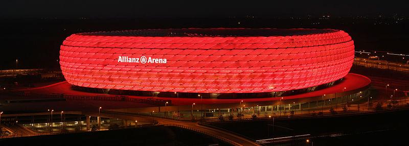 2008 Allianz arena at night Richard Bartz