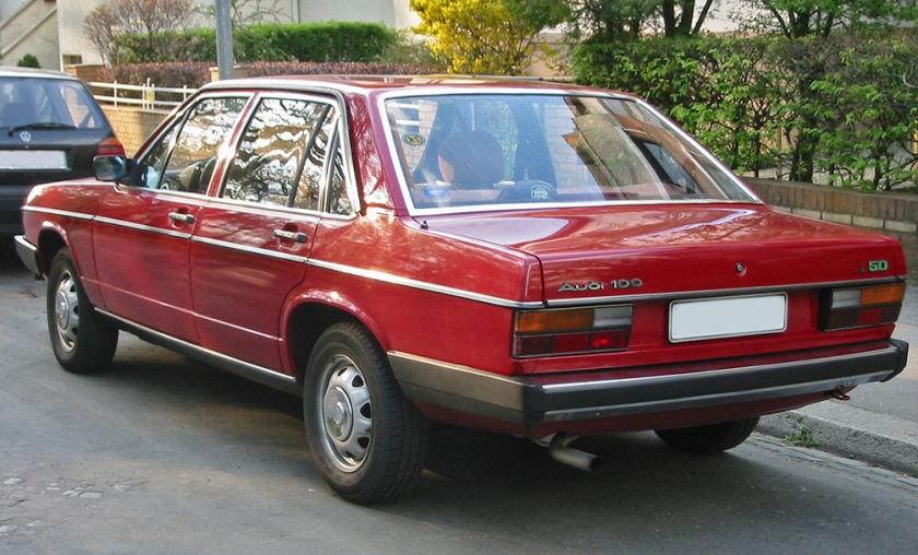 Audi 100 C2 4d L50