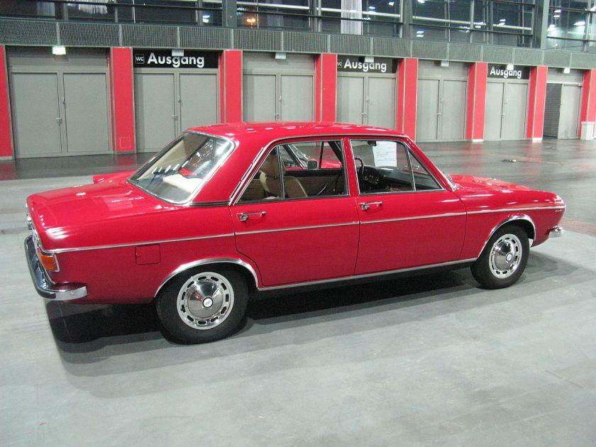 Audi 100 LS Viertürer (1971–1973)