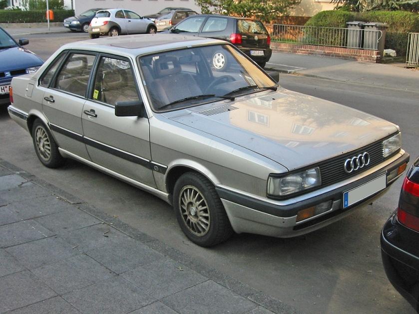 Audi 90 (1984-1986)