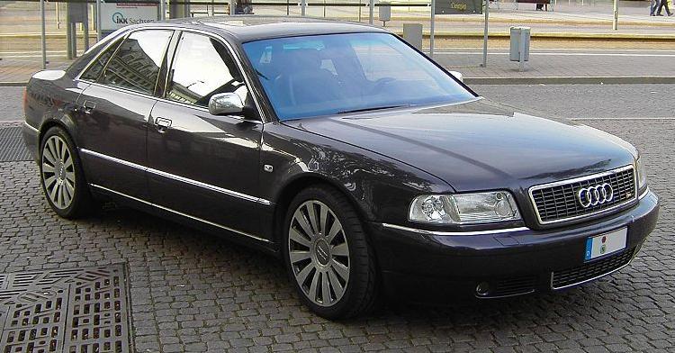 Audi S8 1
