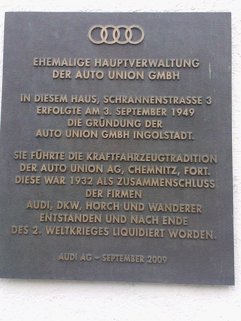 Gedenktafel am ersten Firmensitz in Ingolstadt