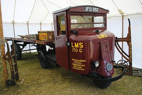 Scammell 3-wheeled lorry (6837211953)