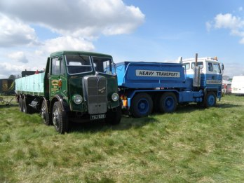 Scammell S26 A_couple_of_heavies_-_geograph.org.uk_-_1302361