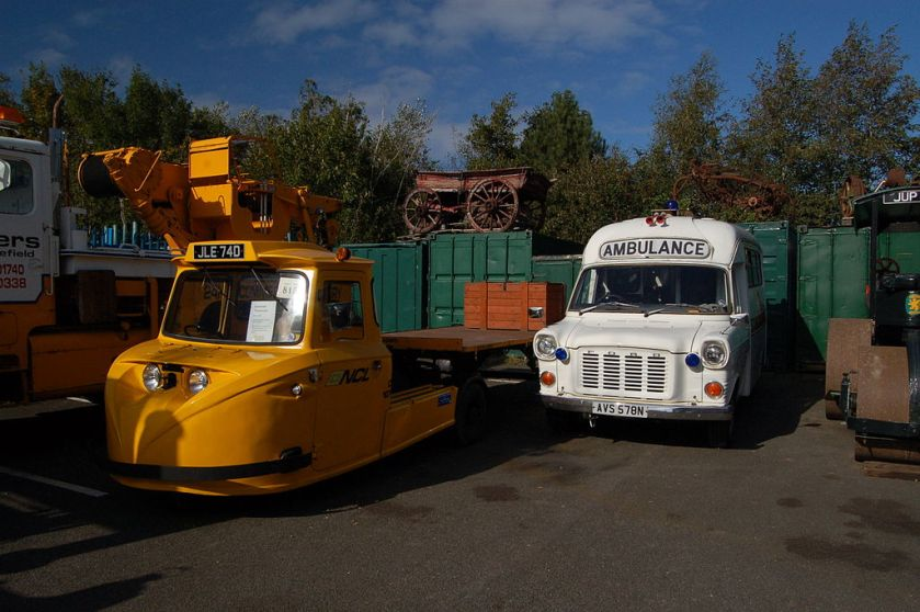 Scammell Townsman and ambulance