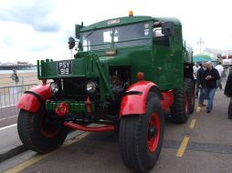Scammell tractor (PSY 919)