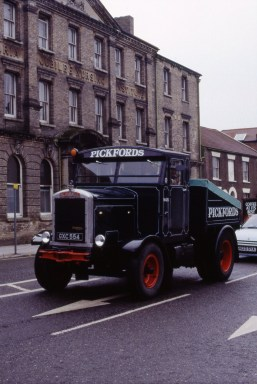 Scammell tractor unit GXC554