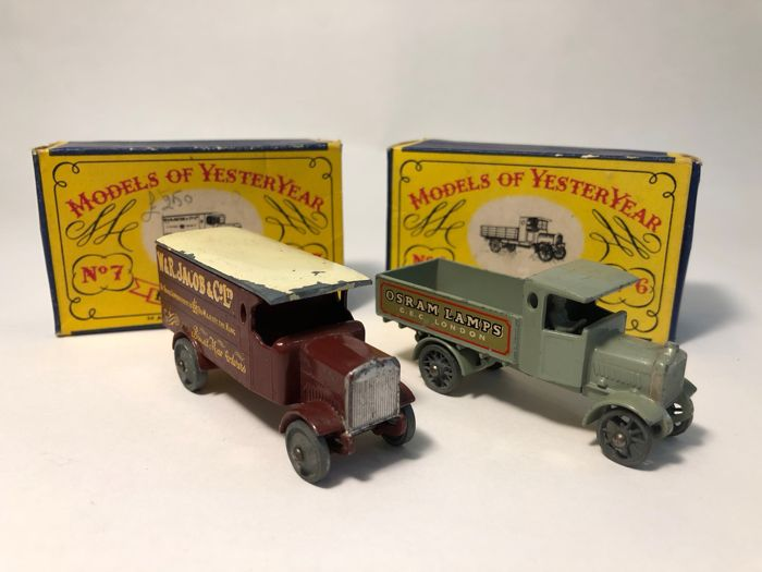 1915 Matchbox Yesteryear AEC Y Type Lorry no. Y6 - Leyland 4 Ton Van no