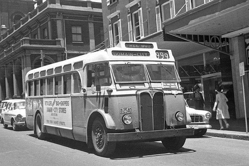 1952 AEC Regal bus free bus to Domain-City 999