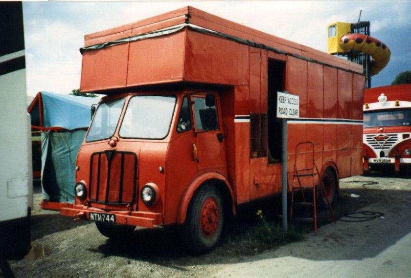 1953-1955 AEC » Mercury MkI ( моdel GM4RA ) with Duramin cab c