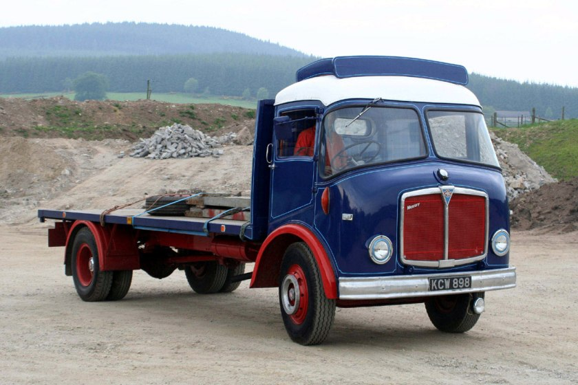 1959- 196- AEC » Mercury MkII ( моdel GM4RA ) with Bowyer cab b