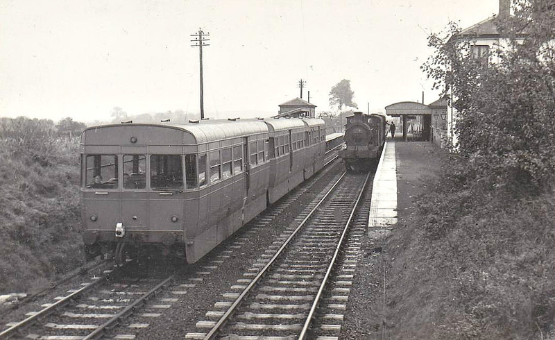 AEC RAILCAR - Experimental 3-car DMU using two bus engines in three 4