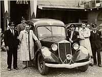 1930-40 Alfa Romeo Ambulancia q