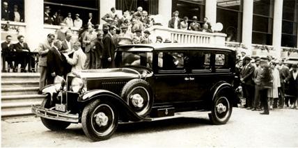 1930 AbadaL Huppmobile acude a una competición automovilista, 1930