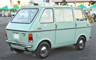 1969 Suzuki Carry Van 4th gen 401 (1969-1972)rear