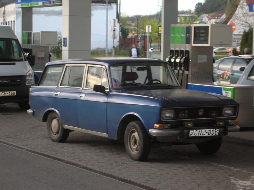 1976 Moskvitch 2136 blue