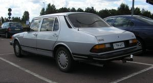 1985 SAAB 900 CD-rear