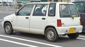 1992 Suzuki Alto Fe-P 4WD five-door sedan (CS22)