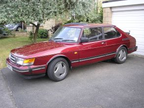 1993 Saab 900 Turbo - Ruby limited edition