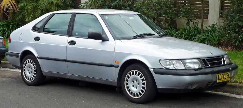 1996-1998 Saab 900 (MY97) S 5-door hatchback