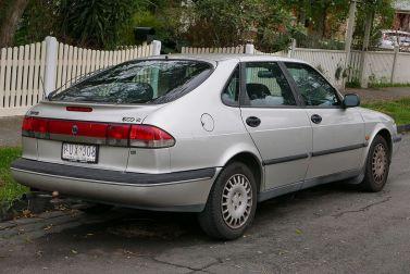 1997 Saab 900 (MY97) S 2.3 5-door hatchback