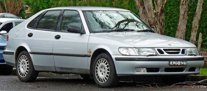 2000 Saab 9-3 S 5-door hatchback