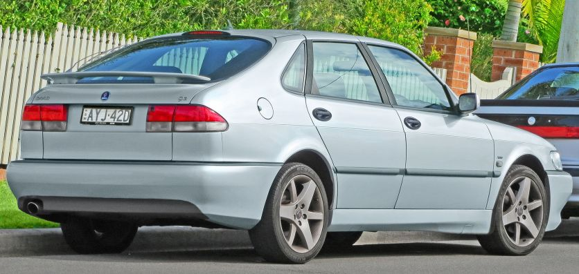 2002 Saab 9-3 Aero 5-door hatchback rear