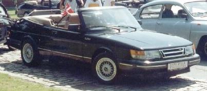 2004 Saab 900 convertible - coupé