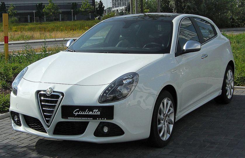 2010 Alfa Romeo Giulietta front