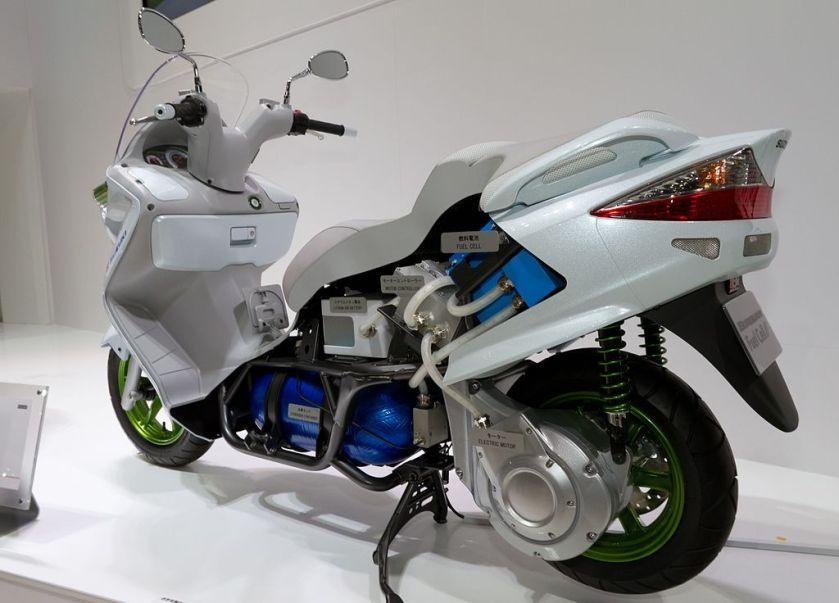 2011 Suzuki Burgman Fuel Cell cutaway model