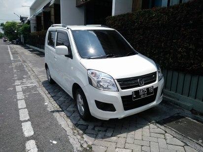 2014 Suzuki Karimun Wagon R GX (front), East Surabaya