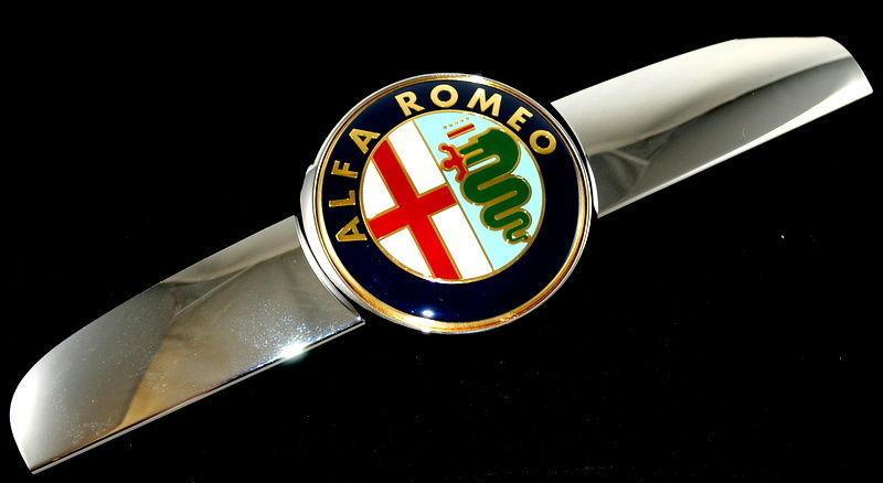 Alfa Romeo 159 Front Bonnet Grille Emblem Logo