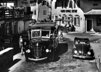 autobus ALFA ROMEO 500A Musone BARBI Sad con Maggiolino